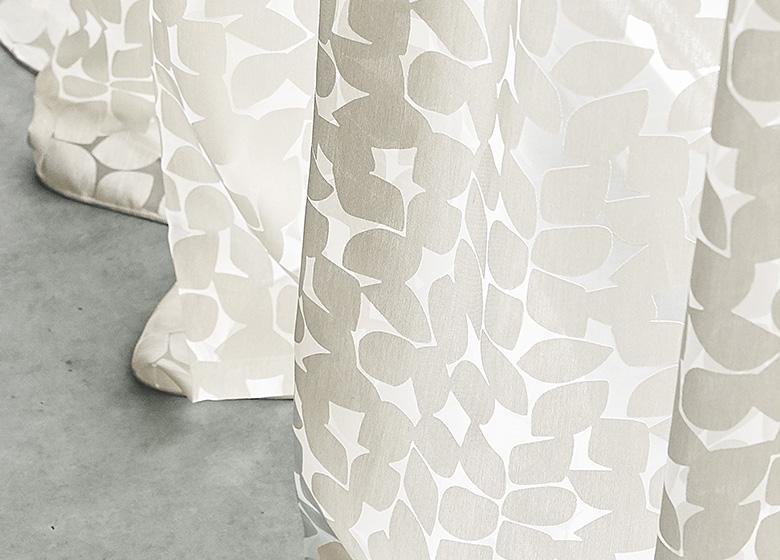 luftige ausbrenner gardine ma geschneidert von jab anstoetz. Black Bedroom Furniture Sets. Home Design Ideas
