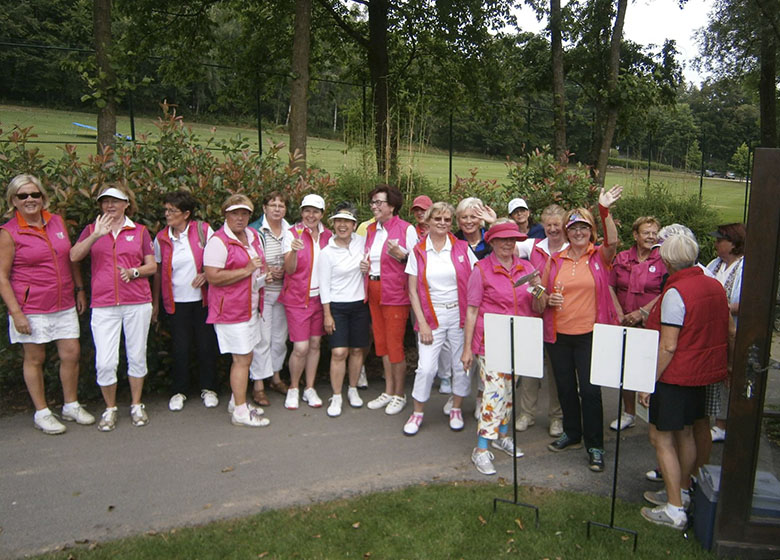 teaser-jab-anstoetz-ladies-cup-august-2016-raquet.jpg
