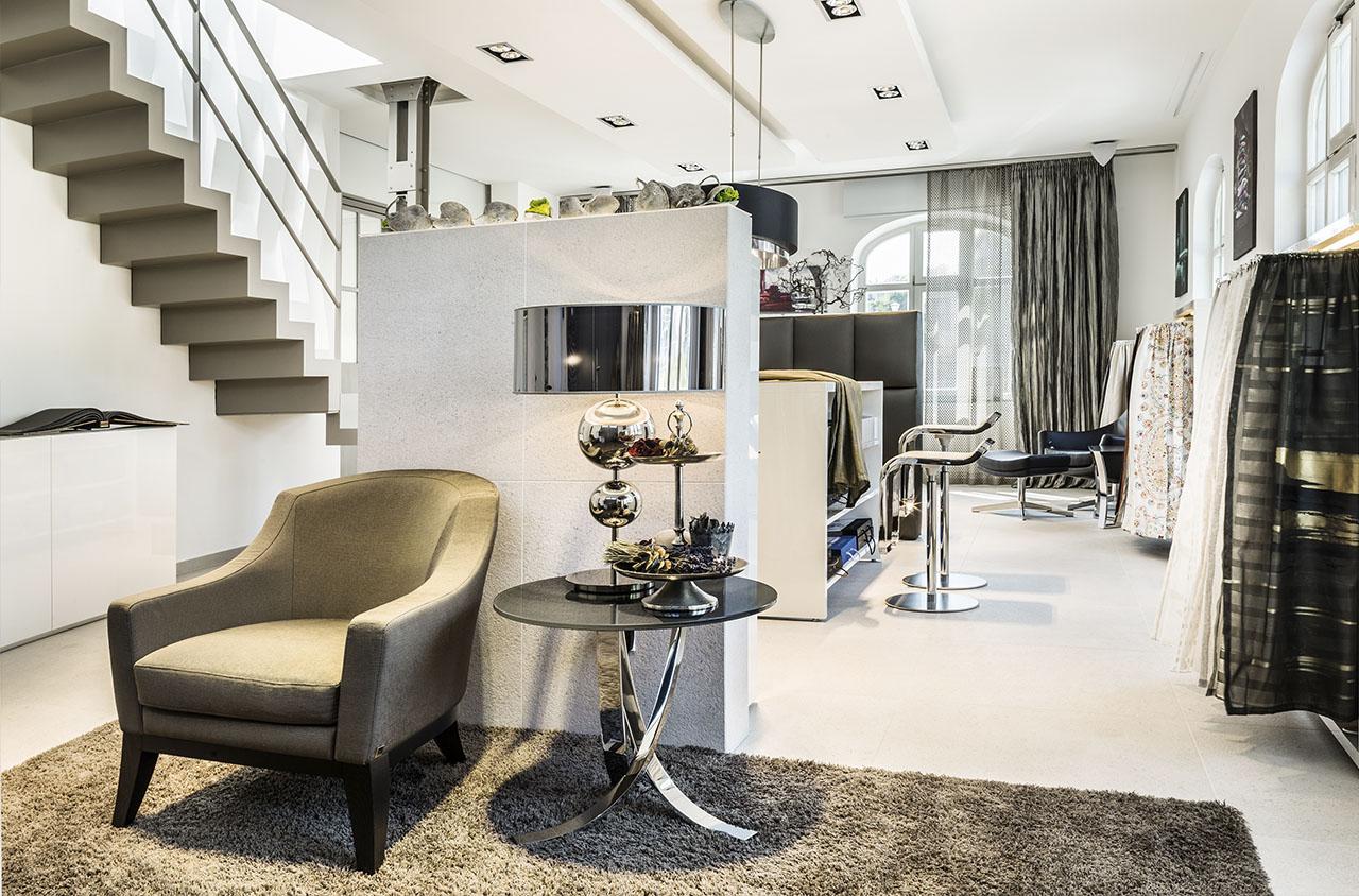 https://www.jab.de/medias/sys_master/images/images/h30/h7d/8797865934878/slide-jab-anstoetz-group-locations-showroom-store-locator-m-full-brand-2.jpg