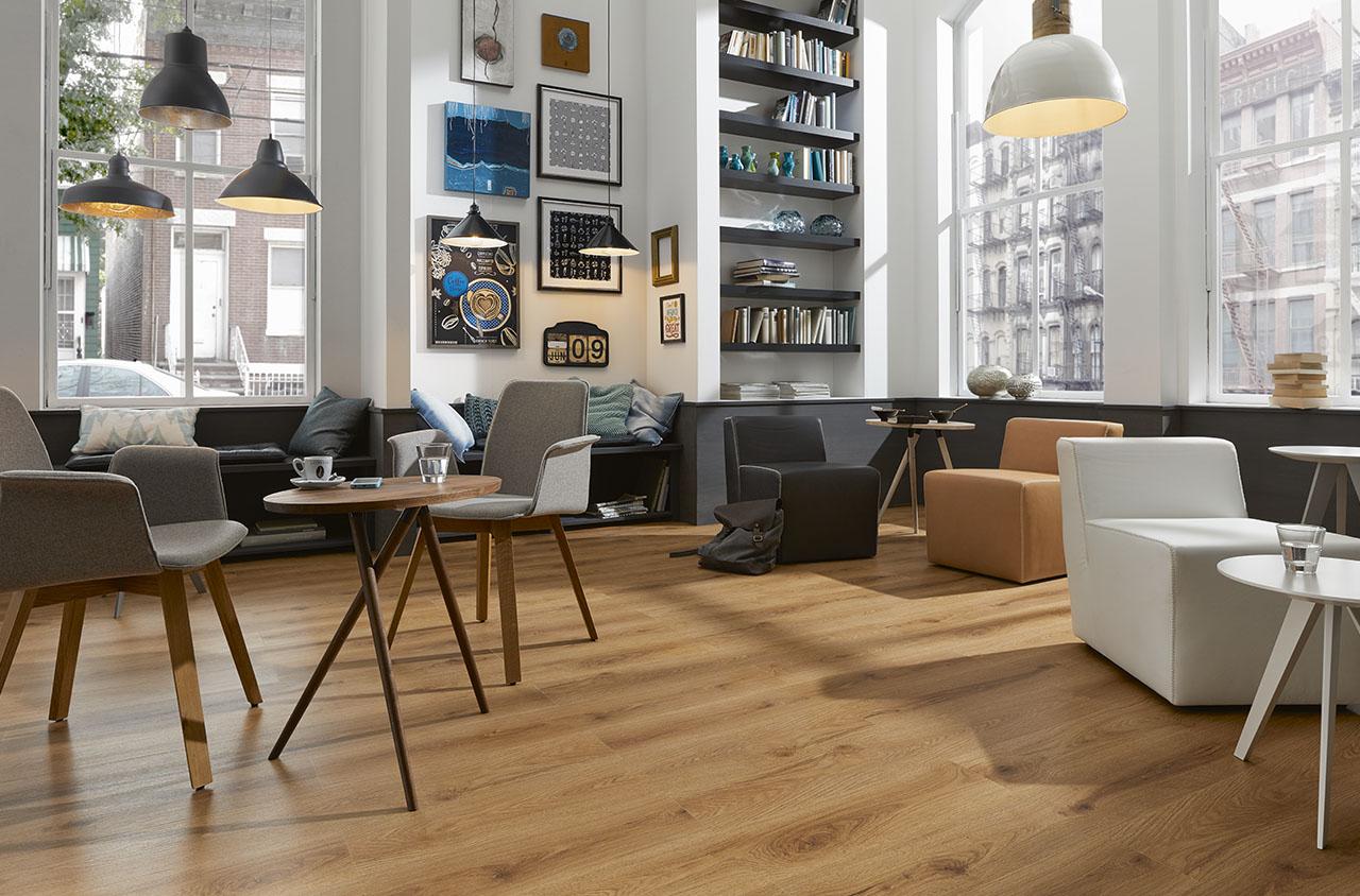 vinylboden wohnzimmer vgwt distressed oak modell tipps. Black Bedroom Furniture Sets. Home Design Ideas